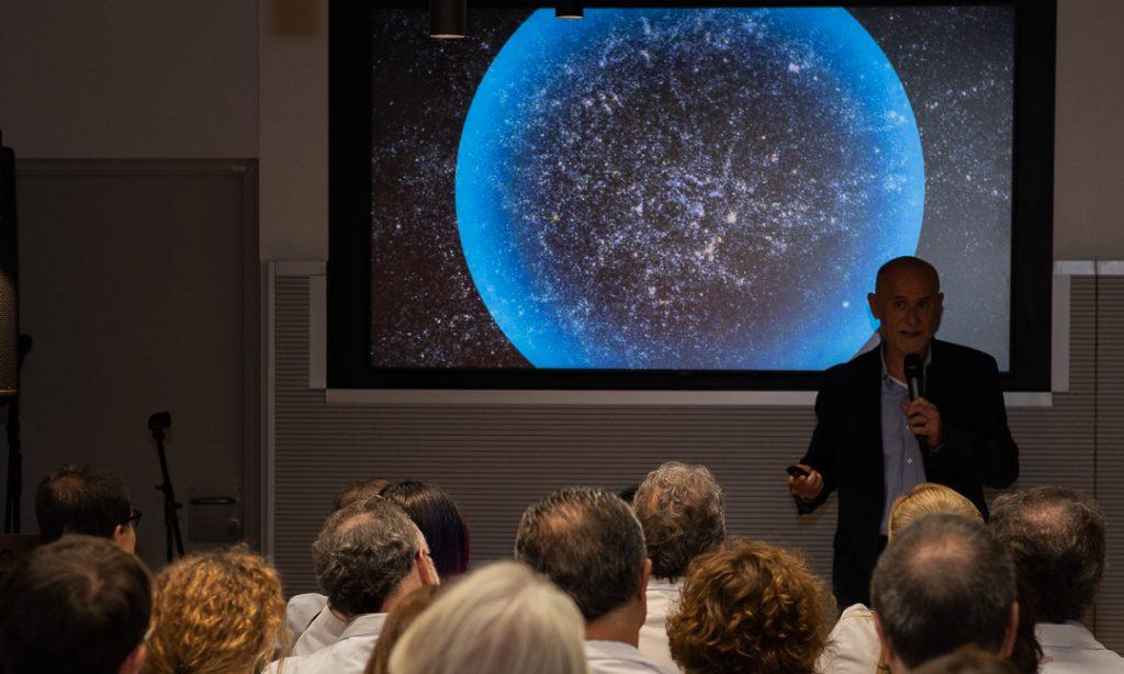 Invitado a inaugurar «Univers Clínic» en el Hospital Clínic de Barcelona